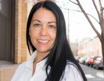 Philadelphia Real Estate Agent Handles All Her Sales Herself